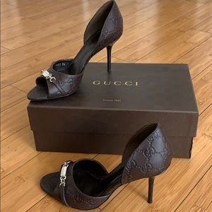Gucci Shoes - Too small